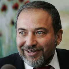 دبلوماسي: القاهرة لن تسمح لـ ليبرمان بدخول الأراضي المصرية