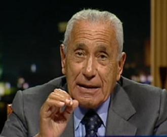 """صحيفة الجمهورية المصرية تشن هجوماً حاداً على هيكل وتصفه بـ """"الحاوي"""""""