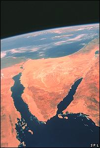 وقاحة ليست غريبة عليهم..غالبية الإسرائيليين يؤيدون إعادة احتلال سيناء