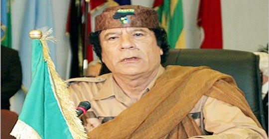 """القذافي للعاهل السعودي: """" الآن اعتذر منك وأتمنى أن تزوروني وأزورك وننهي الخلافات """""""