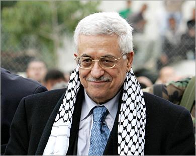 نواب كويتيون يطالبون بمنع عباس من حضور القمة الاقتصادية العربية