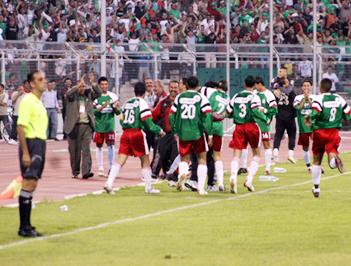 الوحدات وشباب الأردن يصلان إلى النهائي