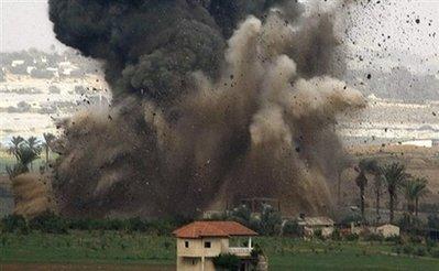 في اعلان لافلاسها..إسرائيل تقصف مقابر آباء وأجداد قادة المقاومة وأبطالها