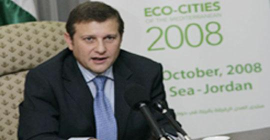 سيارات وزير البيئة مخالفة للقانون وتجاوزات الوزارة بالجملة