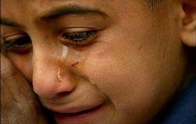 طفل أردني يتعرض إلى التعذيب وإطفاء أعقاب السجائر على مناطق حساسة من جسده!!