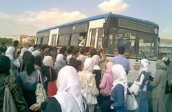 طلبة الهاشمية يغلقون مجمع رغدان بعد اضراب سائقي باصات خط الجامعة