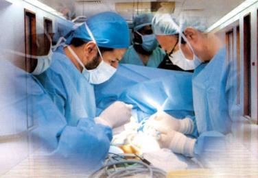 استئصال كتلة وزنها 25 كيلوغراما من بطن امرأة في مستشفى البشير