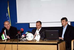عدنان حمد يعلن تشكيلة المنتخب الوطني وخطة الإعداد