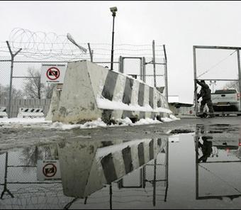 """قرغيزستان تسعى لاغلاق قاعدة اميركية على اراضيها """"خلال ايام"""""""