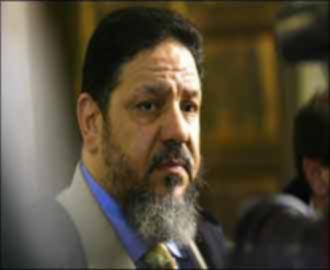 """في قضية تنظيم حزب الله... المحامي يتهم الحكومة المصرية بتعريض المتهمين لـ""""غاز الأعصاب"""""""