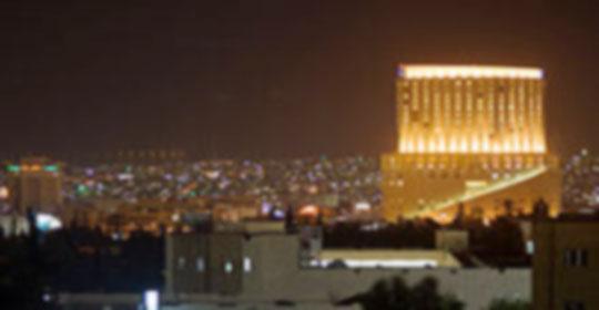مذيع ونائب وسفير يعتدون على فتاة بالضرب في فندق الرويال