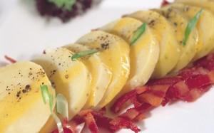 سلطة البطاطا والخس الافرنجي