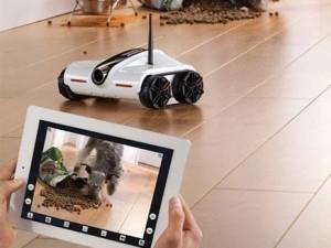 روبوت متميز لضمان سلامة الاطفال في المنزل