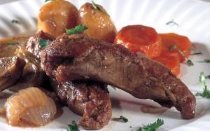 شرائح اللحم مع صلصة الخل الحلو