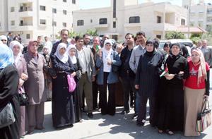 بعد تعهد الادارة بدفع مستحقاتهم..فض اعتصام 250 عاملا أنهت شركة اسرائيلية خدماتهم