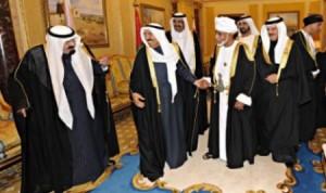 الجلسة الخليجية المغلقة : سحب التفويض السياسي من قطر