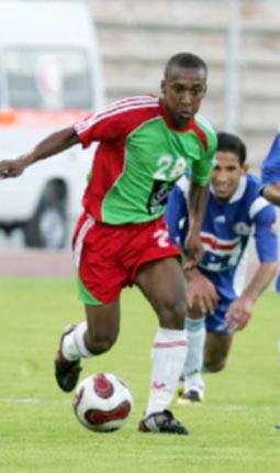 أربعة من لاعبي الوحدات يوقعون لشباب الأردن