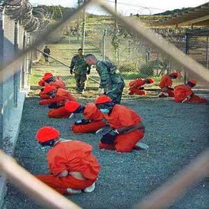أوباما يأمر بتعليق محاكمات معتقل جوانتانامو 120 يومًا