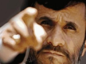 أحمدي نجاد يتهم نجل المرشد الإيراني بإختلاس مليار و600 ألف يورو