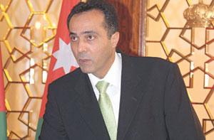 مذكرة نيابية تطالب بإقالة وزير الصحة