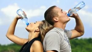 استبدال المشروبات الغازية بالمياه هل تقلل الوزن؟
