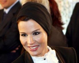 الشيخة موزة تدفع 280 مليون يورو لنادي برشلونة لوضع اسم مؤسسة قطر