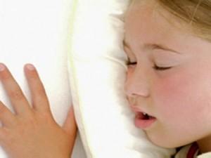 صعوبات تنفس الأطفال أثناء النوم تسبب مشكلات سلوكية