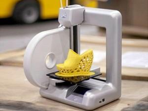 طابعة جديدة قادرة على تكوين مجسمات ثلاثية الأبعاد