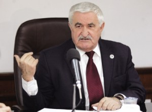 بينو يتراجع: اتهامي للنواب بالدفاع عن ملفات الفساد