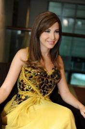 نانسى عجرم تتألق بفستان أصفر فى تركيا .. صور