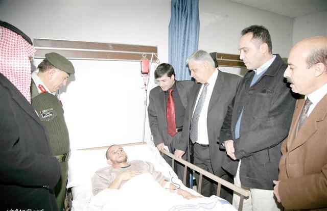 وزير الصحة الفلسطيني يزور جرحى غزة في مستشفى الملكة علياء العسكري