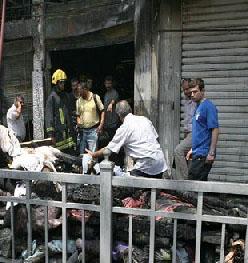 حريق وسط عمان يأتي على 39 محلا تجاريا