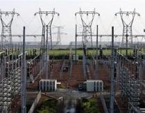 الحكومة تدرس رفع اسعار الكهرباء او فرض ضريبة وقود جديدة