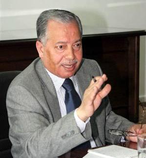 الحكومة تؤكد حرصها على التعاون مع مؤسسات المجتمع المدني