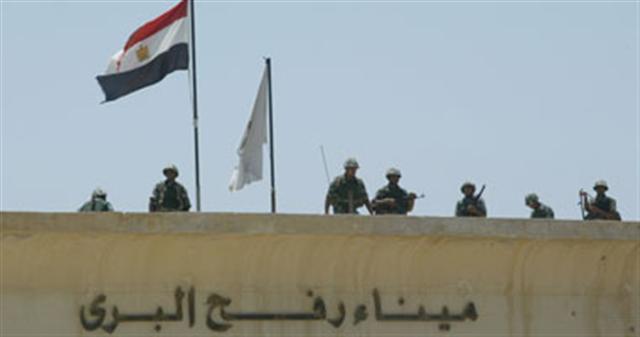 مصريون ينتقدون سياسات الرئيس المصري تجاه قطاع غزة