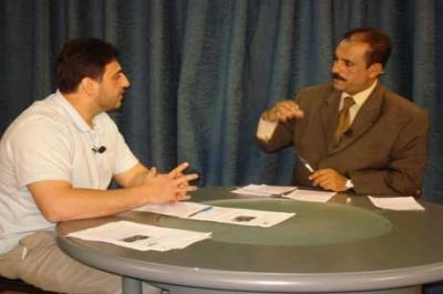 إيقاف مذيع تلفزيوني باليمن بعد إبداء تعاطفه مع قمة الدوحة