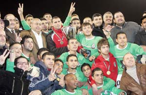 الوحدات يزهو بلقب البطولة التنشيطية الكروية