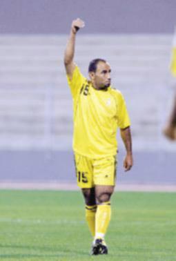 الزبون يوقع على عقده الاحترافي مع الحسين اربد