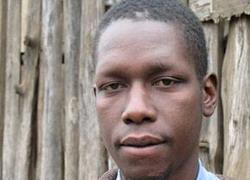 كينيا تعتقل الأخ غير الشقيق للرئيس أوباما لحيازته المخدرات