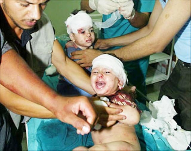 أزمة إنسانية طاحنة والحصول على المساعدات مخاطرة... مسئولو غزة: هكذا تعرقل مصر وصول المساعدات