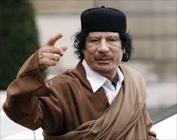صحيفة : القذافي أراد قتل الملك حسين..!!