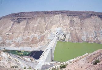 تقرير حكومي يعترف لأول مرة بأن اتفاقية وادي عربة لم تعد المياه المسروقة