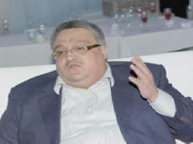 لا يلدغ المؤمن من جحر مرتين.. لماذا تزكي خالد شاهين يا ذهبي ؟!