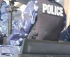 الأمن يحتجز رئيس لجنة عمال المياومة عدة ساعات