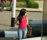 """سيارة نائب تتصيد بنات الليل في """"عبدون"""""""