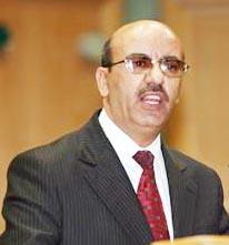 """الشديفات يتجاهل لقاء نائبين ويقول : """" أنا مسؤول عني رئيس الوزراء مش النواب """""""