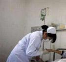سب ولكمات على الوجه.. مراجعة تعتدي بالضرب على ممرضتين في مستشفى الأميرة بسمة