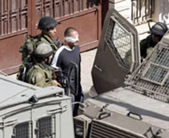 اعتقال 3 فلسطينيين بينهم فتاة في نابلس