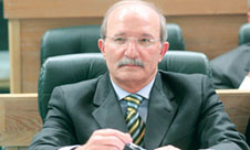 الحكومة تشكل لجنة لتعديل قانون الانتخاب تحت إشراف رئيس الوزراء