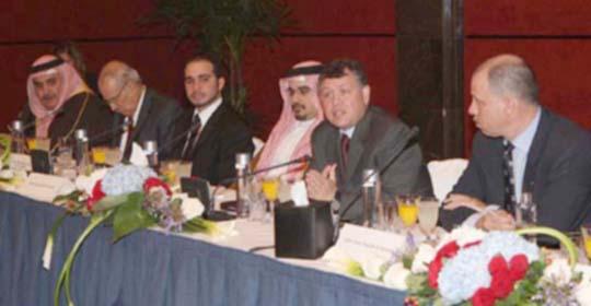 """الملك خلاله لقائه عددا من القيادات المالية في المنامة : """"وضعنا مريح بشكل عام ولا يوجد عندنا تخوفات بالنسبة للمستقبل"""""""